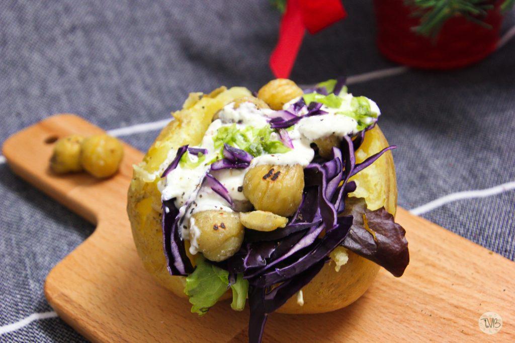 Winterliche Ofenkartoffel, Rotkraut, Maroni