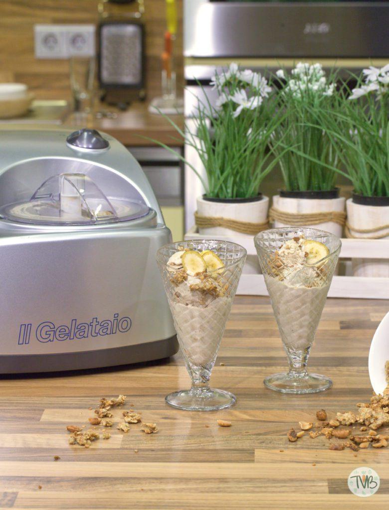 Bananen-Erdnuss Eis