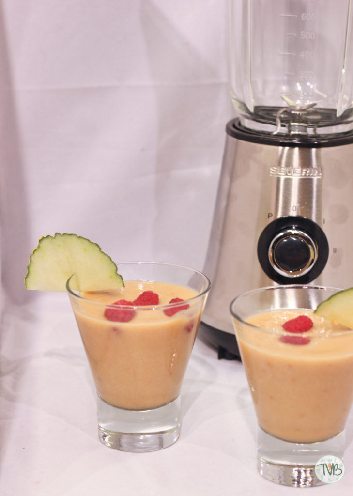 Summer Smoothie, EP:Austria, Severin, Rezept mit Video, Melone, Avocaco, Himbeeren, Mango und Ananassaft, vegan,