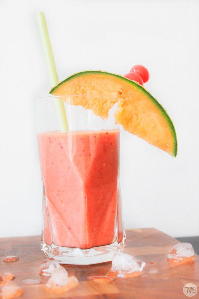 Summer Smoothie, EP:Austria, Severin, Rezept mit Video, Melone, Avocaco, Himbeeren, Mango und Ananassaft, vegan,