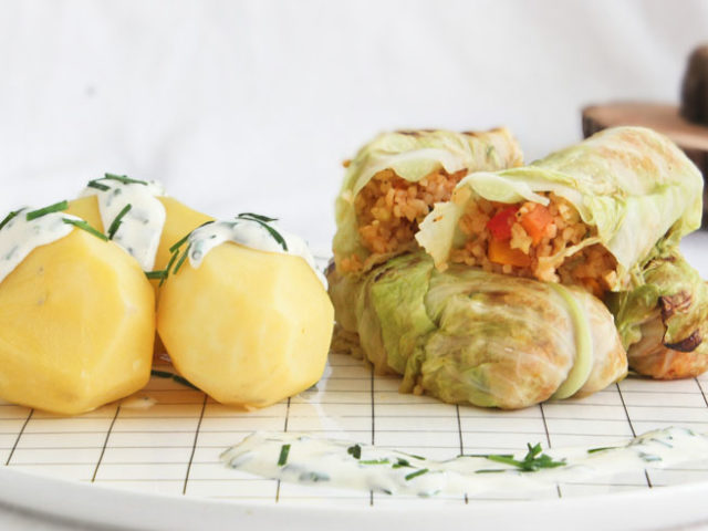 Krautrouladen, Kohlrouladen, Kraut, Kohl, Bulgur, Gemüse, vegan, veggie, vegetarisch, Zucchini, Karotten, Paprika, Kartoffel