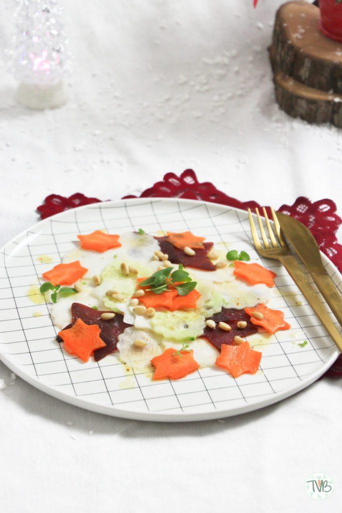 Gemüse Carpaccio vegan, vegetarisch, ohne Fleisch, Karotten, Gurken, Rote Rüben, Rote Beete, Pinienkerne