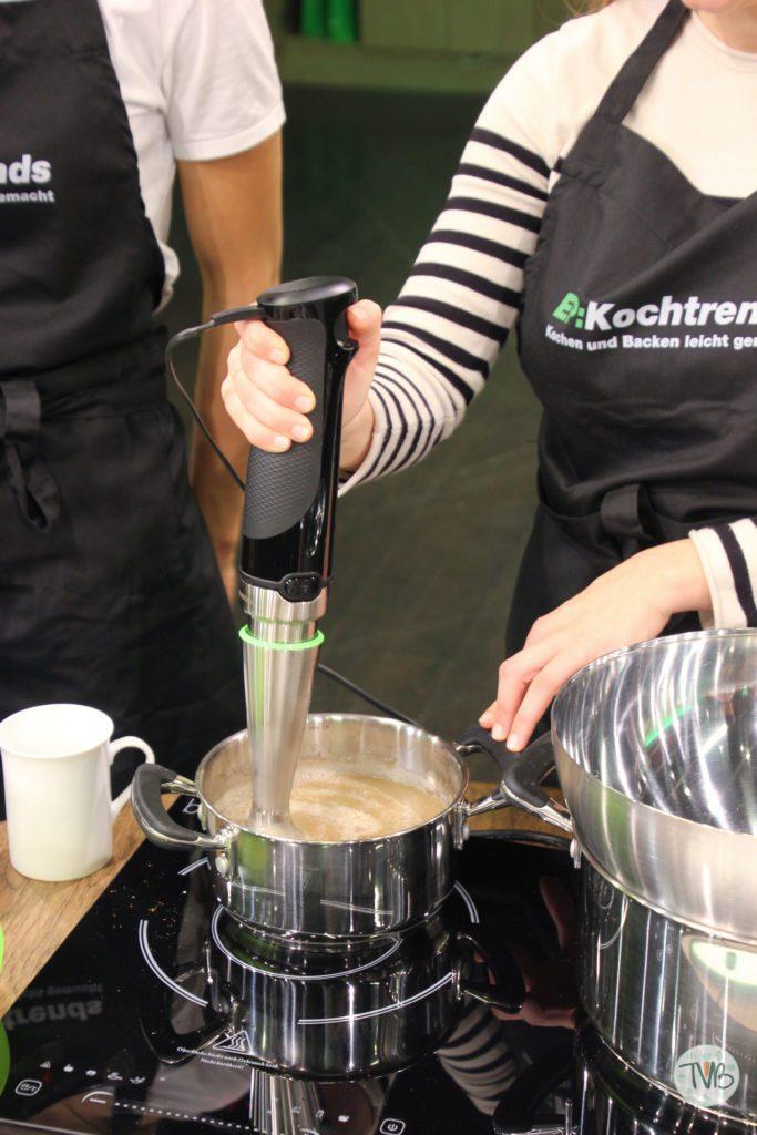 EP Austria veganer Keksback Workshop Apfel pürrieren