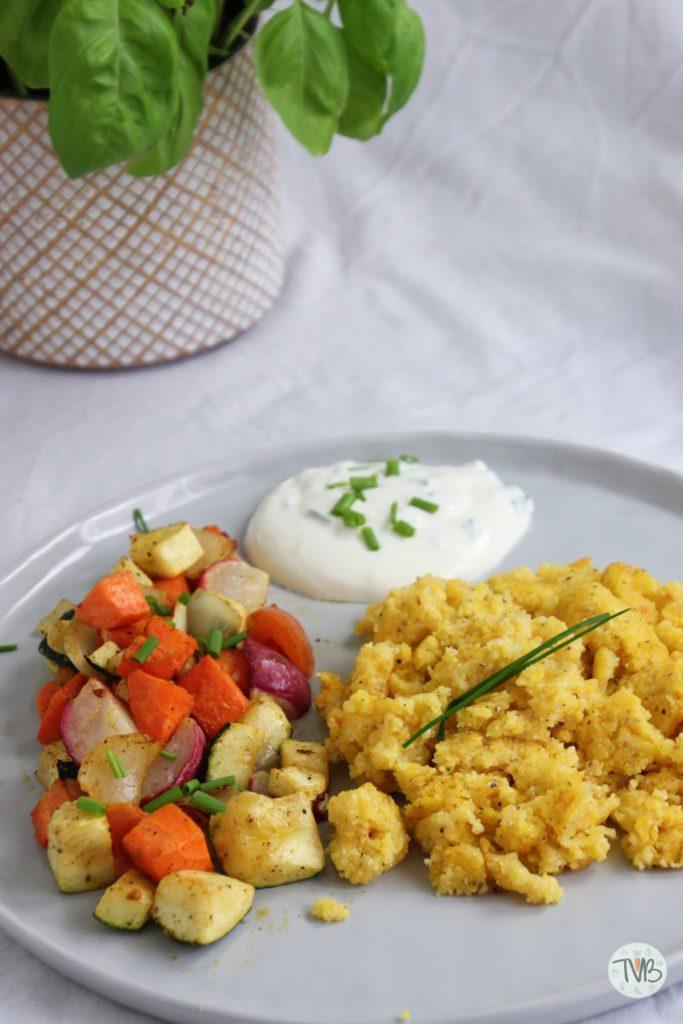 Polenta, Maisgrieß, Gemüse, Schnittlauch, Sterz, steirisch, Ofengemüse, vegan, vegetarisch