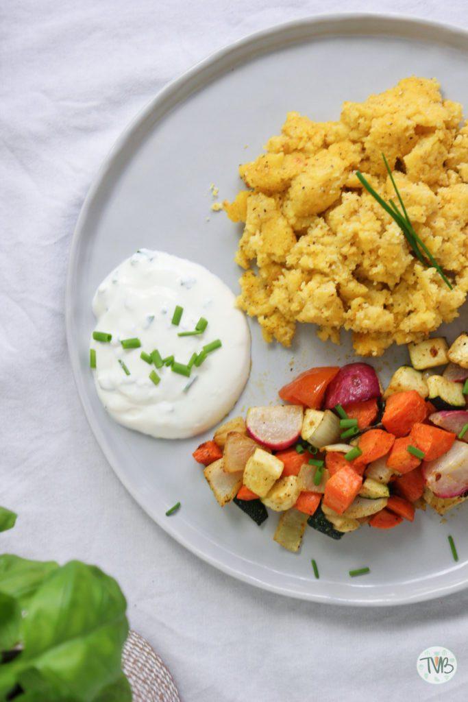 Polenta, Maisgrieß, Gemüse, Schnittlauch